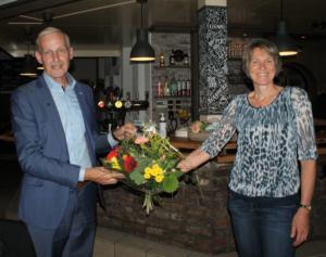 Bloemetje voor Inge Simons - Rondleidingen in Beesel